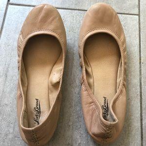 Lucky brand tan flats — size 9